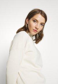 Vero Moda - VMLUCY  - Sweatshirt - birch - 3
