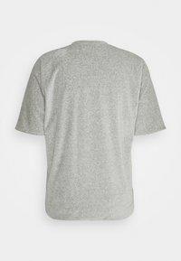 3.1 Phillip Lim - REVERSIBLE VINTAGE FIT - T-shirt basique - grey - 1