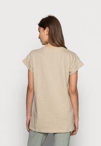 Moss Copenhagen - ALVA SEASONAL TEE - Basic T-shirt - white pepper - 2