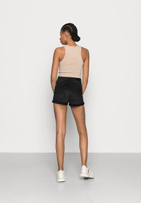 ONLY - ONLHUSH BUTTON BOX - Szorty jeansowe - black denim - 2