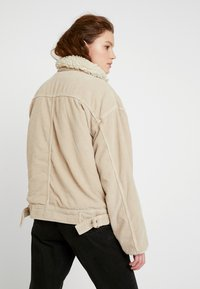 BDG Urban Outfitters - BORG UTILITY JACKET - Vinterjacka - ivory - 2