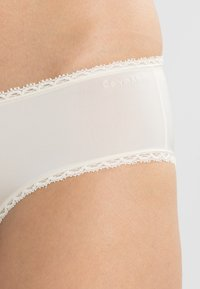 Calvin Klein Underwear - SEDUCTIVE COMFORT - Slip - ivory - 3