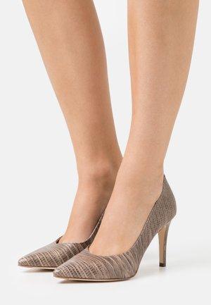 DANELLA - Zapatos altos - greige tejus