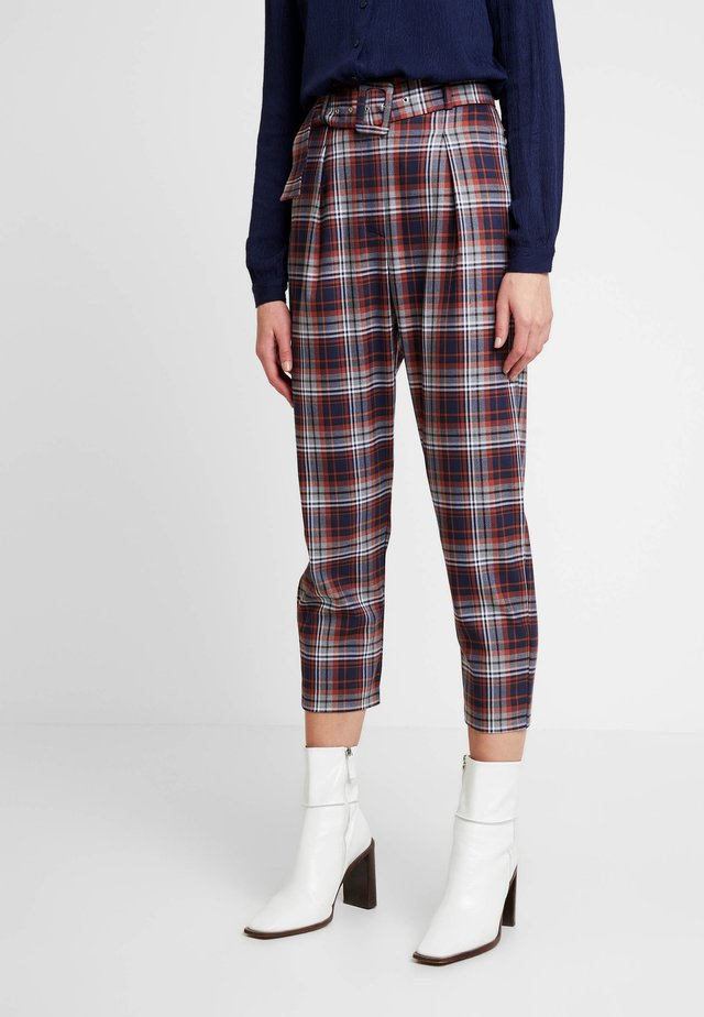 JUSTINE TROUSERS - Trousers - brown/navy