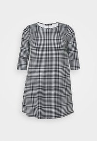 CAPSULE by Simply Be - 3/4 SLEEVE SWING - Jersey dress - dogtooth - 4