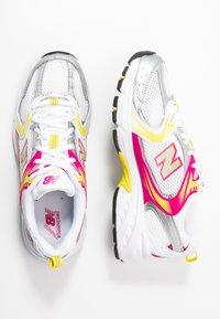 New Balance - MR530 - Trainers - white - 5