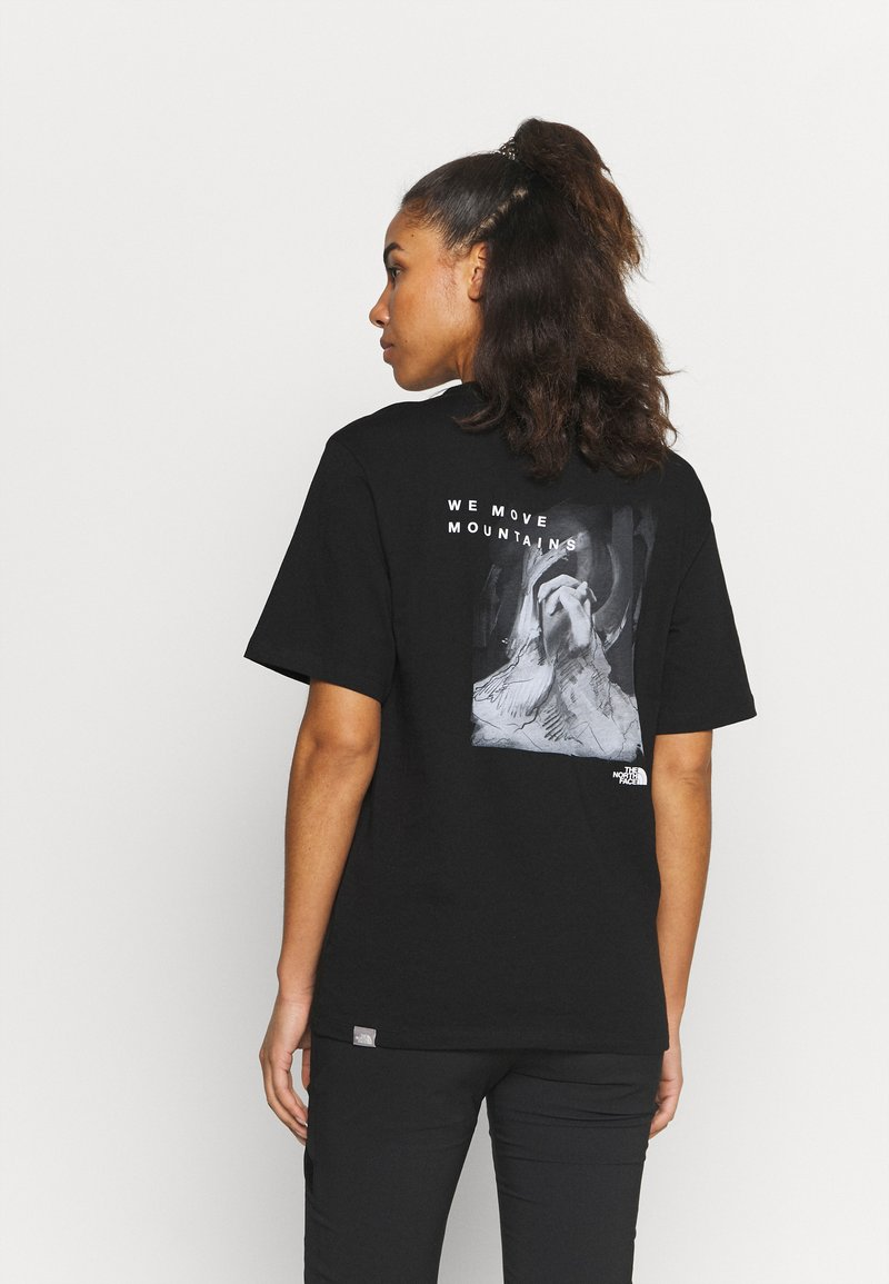 The North Face - INTERNATIONAL WOMENS DAY TEE - T-shirts med print - black