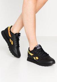Reebok Classic - CLASSIC  - Sneakers laag - black - 0