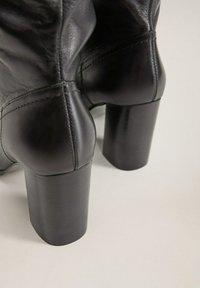 Mango - BOBY - Laarzen met hoge hak - schwarz - 5