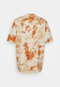 Karl Kani - UNISEX RETRO - T-shirt con stampa - white - 7