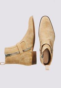 Tigha - Cowboy/biker ankle boot - beige - 1