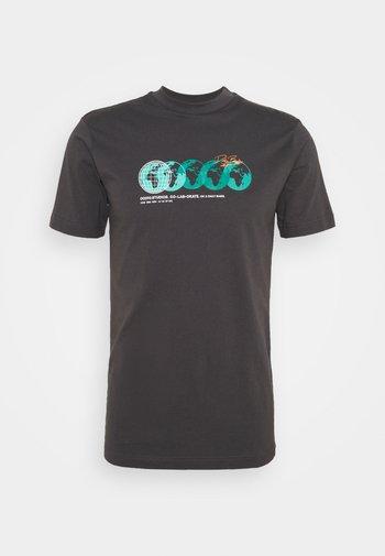 PHOTOGRAPHIC TEE UNISEX - T-shirt imprimé - charcoal
