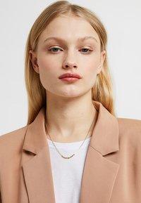 Pilgrim - NECKLACE JUN - Necklace - gold-coloured - 0