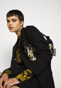 Versace Jeans Couture - Button-down blouse - nero - 3