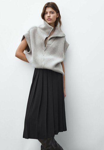 MIDI - A-line skirt - black
