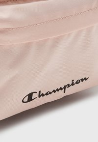 Champion - SMALL BACKPACK UNISEX - Reppu - pink - 3