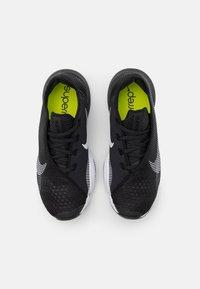 Nike Performance - AIR ZOOM SUPERREP 2 UNISEX - Zapatillas de entrenamiento - black/white - 5