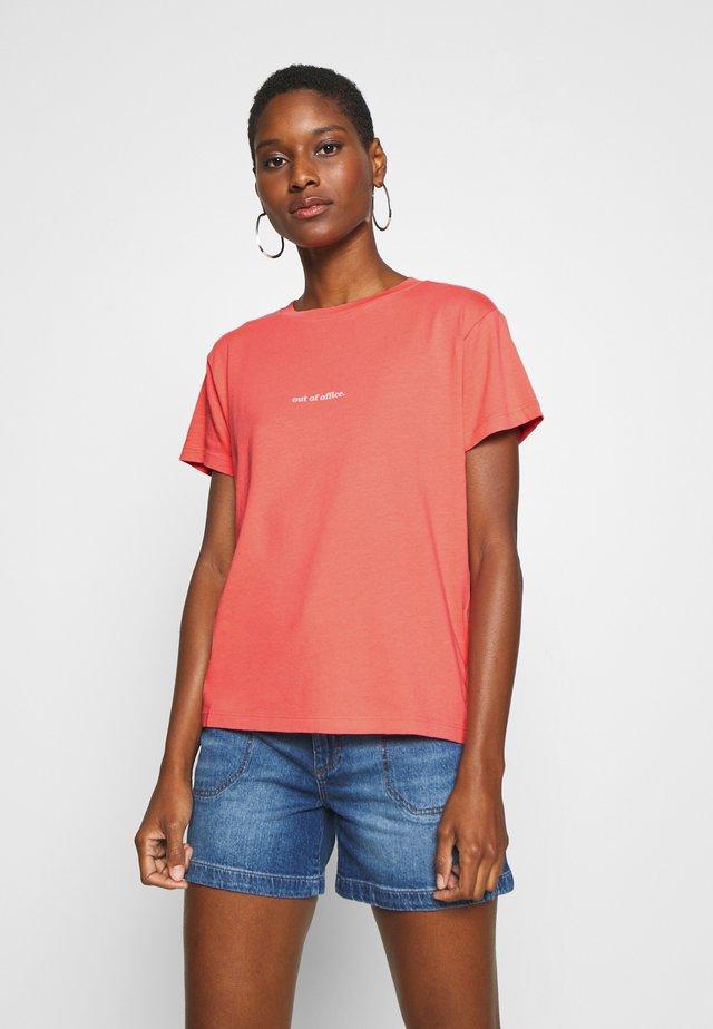 SHORT SLEEVE - Camiseta estampada - salty peach