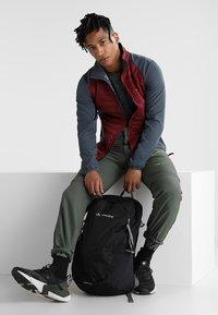 Vaude - WIZARD 24+4 - Hiking rucksack - black - 1