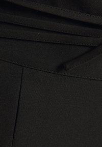 Missguided Plus - DEEP WAIST BAND WIDE LEG TROUSER - Trousers - black - 2