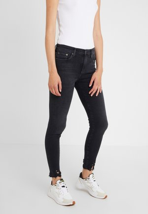 SOPHIE - Jeansy Skinny Fit - shot