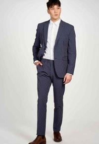 MDB IMPECCABLE - Trousers - dark blue - 1