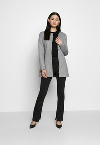 ONLY - ONLSEOUL LIGHT COAT  - Krátký kabát - light grey melange - 1