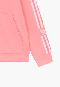 adidas Originals - LOCK UP HOODIE - Hoodie - pink/white - 3