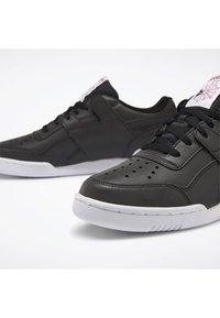 Reebok Classic - WORKOUT PLUS SHOES - Trainers - black - 5