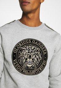 Glorious Gangsta - EMMUS - Sweatshirt - grey - 4