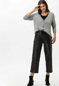 BRAX - STYLE MAINE S - Trousers - black - 1