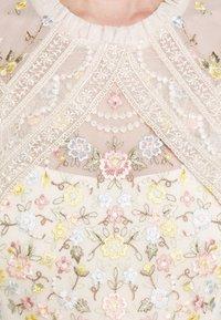Needle & Thread - REVERIE ROSE BALLERINA DRESS - Společenské šaty - champagne - 6