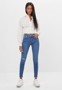 Bershka - MIT HOHEM BUND  - Jeans Skinny Fit - blue - 1