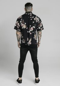 SIKSILK - PRESTIGE FLORAL RESORT - Košile - black