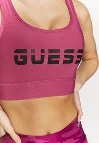 Guess - ACTIVE BRA - Sujetador deportivo - purple blush - 5