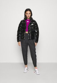 Nike Sportswear - AIR CREW CROP - Sweatshirt - cactus flower/white - 1