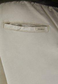 PULL&BEAR - Shorts - white - 6