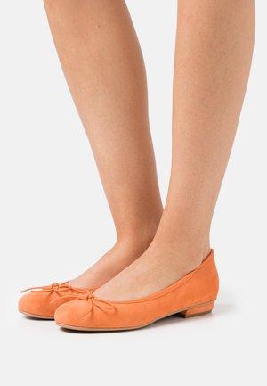 CARLA - Ballet pumps - orange