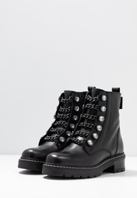 Kurt Geiger London - BAX - Cowboy/biker ankle boot - black - 4