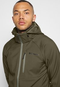 Columbia - CASCADE RIDGE  - Veste softshell - stone green