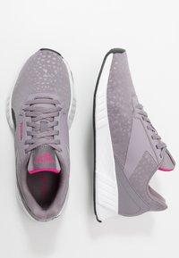 Reebok - LITE PLUS 2.0 - Zapatillas de running neutras - grey/white/pink - 1