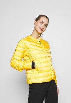 KAIA - Dunjakke - yellow