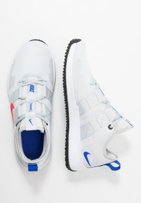 Nike Performance - VARSITY COMPETE TRAINER 2 - Træningssko - pure platinum/red orbit/white/racer blue/black - 1