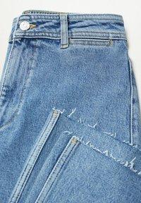 Mango - CATHERIN - Flared Jeans - middenblauw - 6