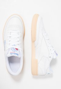 Reebok Classic - CLUB C 85 - Trainers - white/athletic blue/red - 3