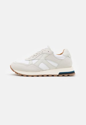 STEUER - Trainers - white