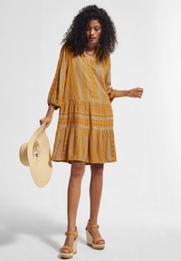 comma casual identity - Day dress - sand embroidery - 1