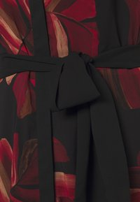 Betty & Co - Day dress - black/red - 2