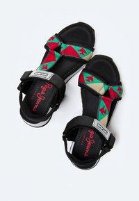 Pepe Jeans - FUJI ETHNIC - Sandały na platformie - middle green - 2