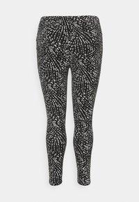 CAPSULE by Simply Be - Leggings - Trousers - mono - 6